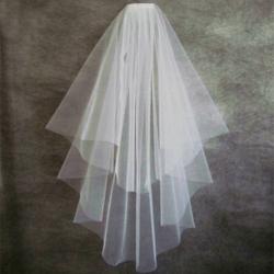 Svatební závoj s hřebínkem - lez lemu